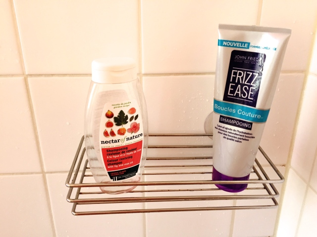 Frizz Ease Boucles Couture (John Frieda) Shampoing raviveur de couleur (Nectar of Nature)